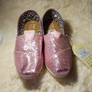 Nwt Toms